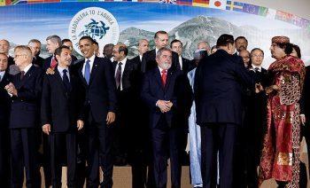 Berlusconi, Napolitano, Sarkozy, Obama, Lula, Moebarak en Khadaffi.